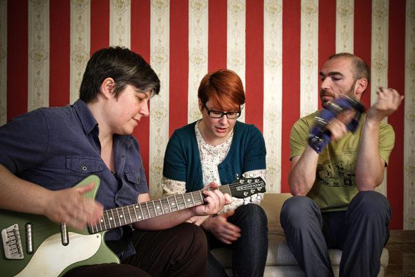 band sarah schuster suona per foto promo