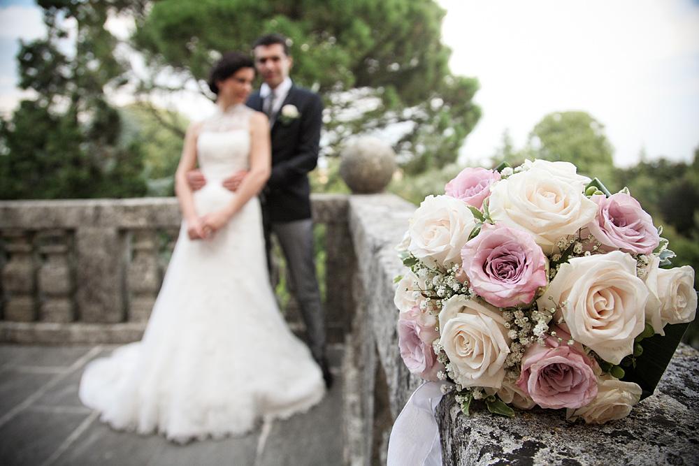matrimonio-vicenza-sposi-foto-bouquet-costabissara-villa-abbraccio