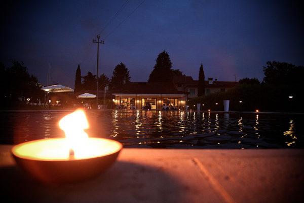 candela a bordo piscina alla pergola di sarcedo