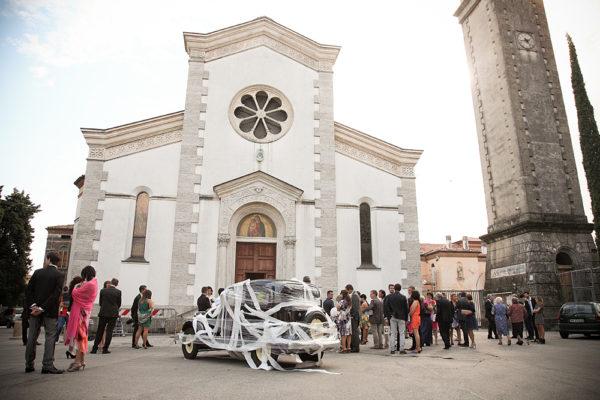 matrimonio-fotografo-vicenza-auto-chiesa