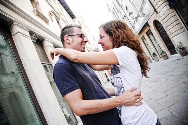 ragazzi fidanzamento sorriso centro vicenza fotografia