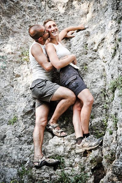 lumignano vicenza fotografo fidanzati prematrimoniale coppia arrampicata parete rocciosa