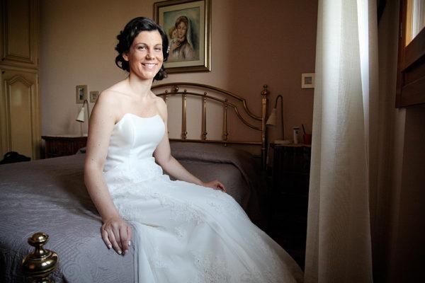 sposa seduta sul letto