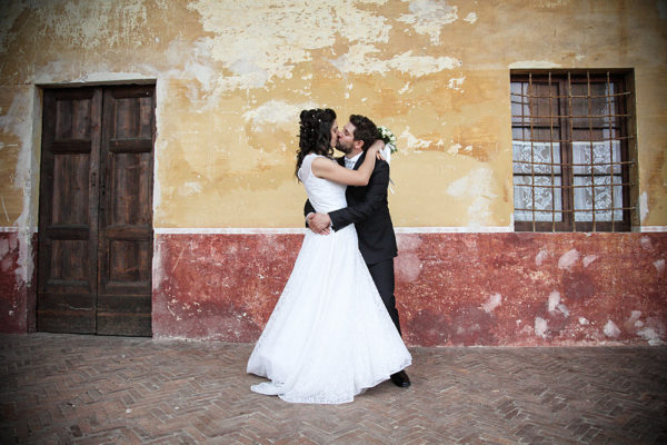 matrimonio-bacio-sposi--fotografo-villa-cita-montecchio