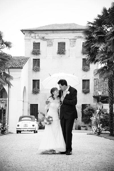 nozze-pioggia-fotografo-vicenza-ca-prigioni-ombrello