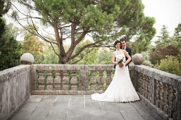 sposi-abbraccio-terrazza-villa-vicenza-foto